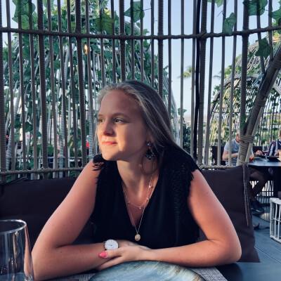 Zina zoekt een Studio in Gent