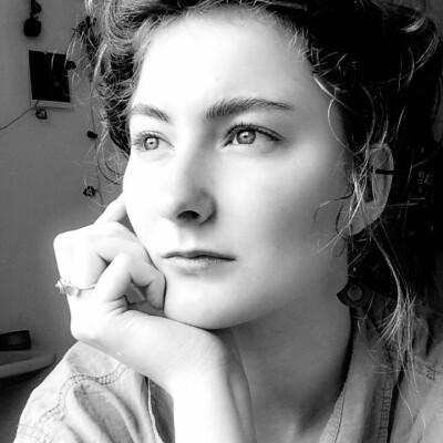 Charlotte zoekt een Kamer / Studio in Gent