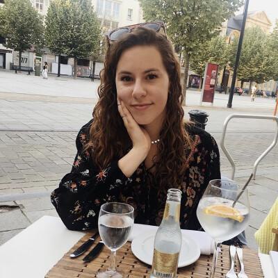 Danielle Delange zoekt een Appartement / Studio in Gent